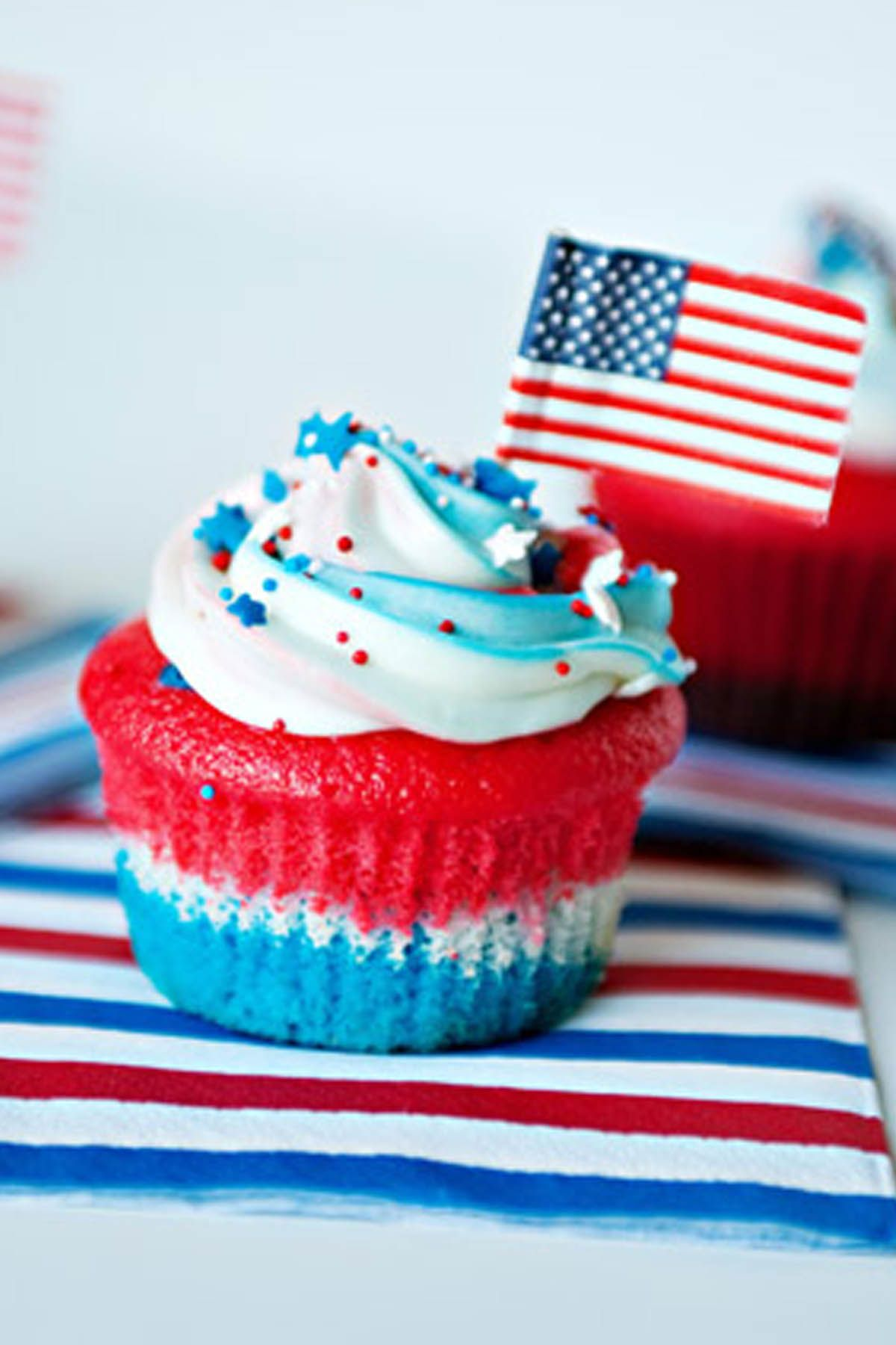 868728bb633 20 Patriotic 4th of July Cupcakes   Cakes — Recipes for Red