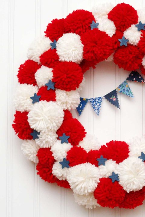 17 Diy 4th Of July Wreaths How To Make A Patriotic Wreath