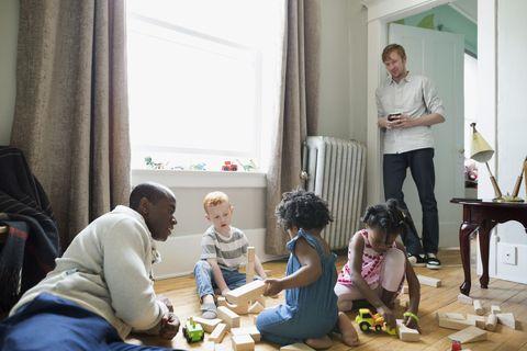 Raising Kind Children >> How To Raise Kind Kids How To Raise Kinder Less Entitled Kids