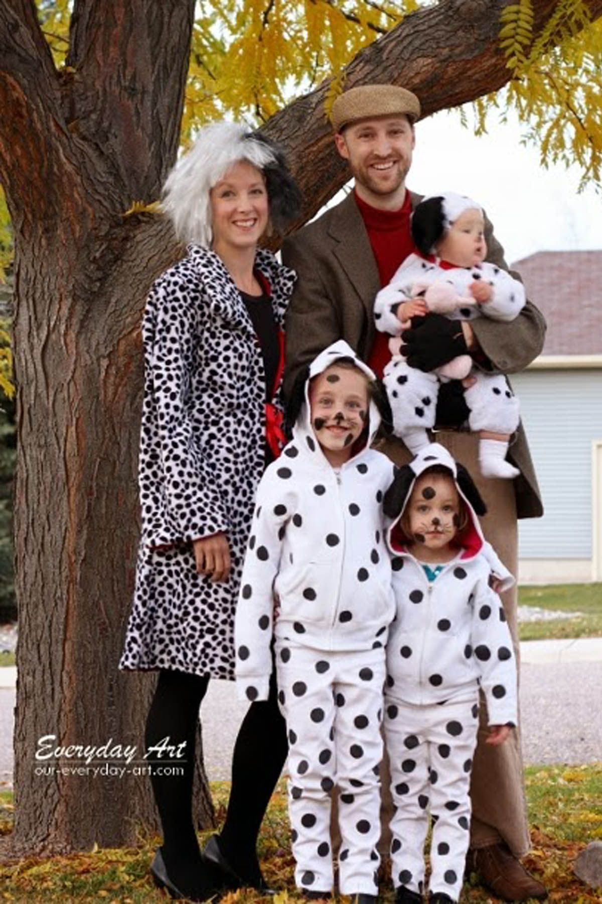 Fesselnd 101 Dalmatians Characters Family Halloween Costumes