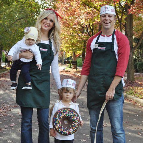 Halloween Ideas For 3 Boys.57 Family Halloween Costumes Addams Family Flintstones