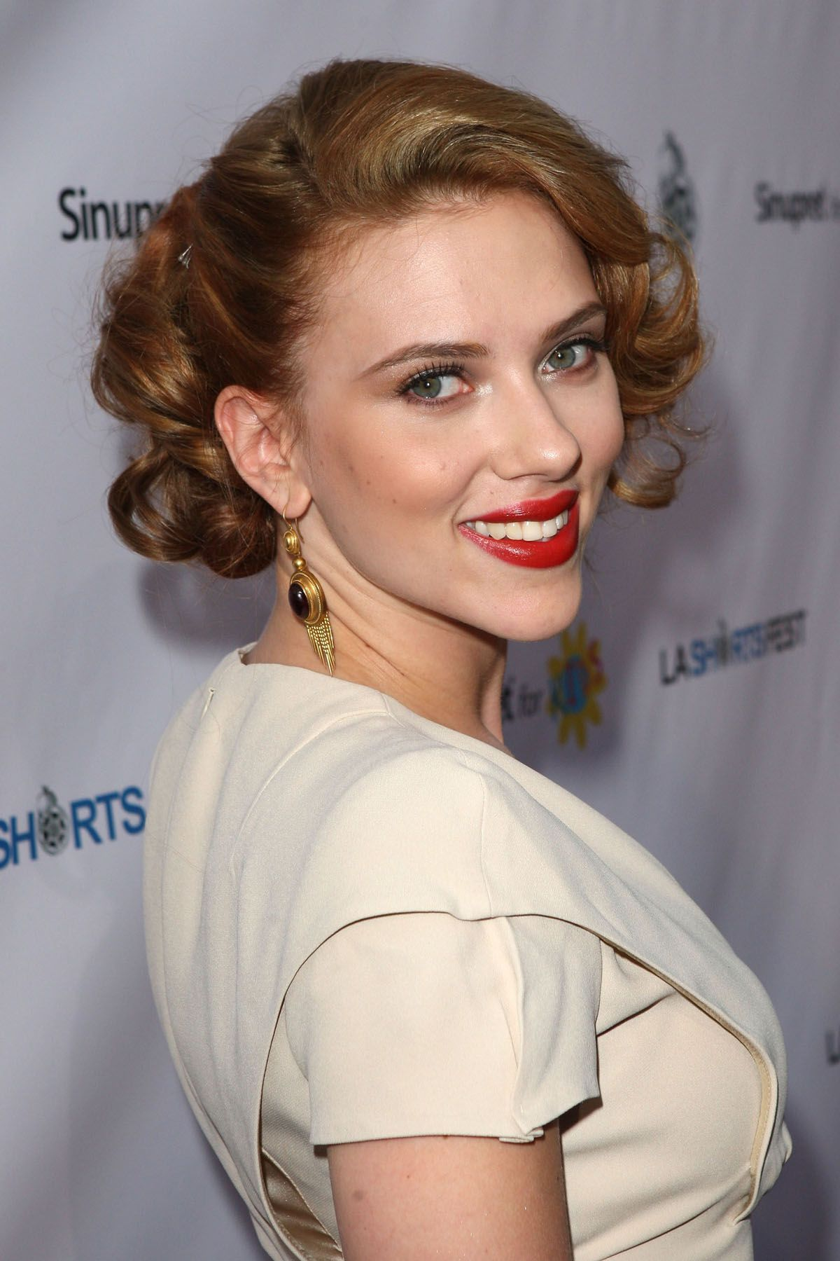 14 Best Short Curly Hairstyles For Women Short Haircuts For Curly Hair