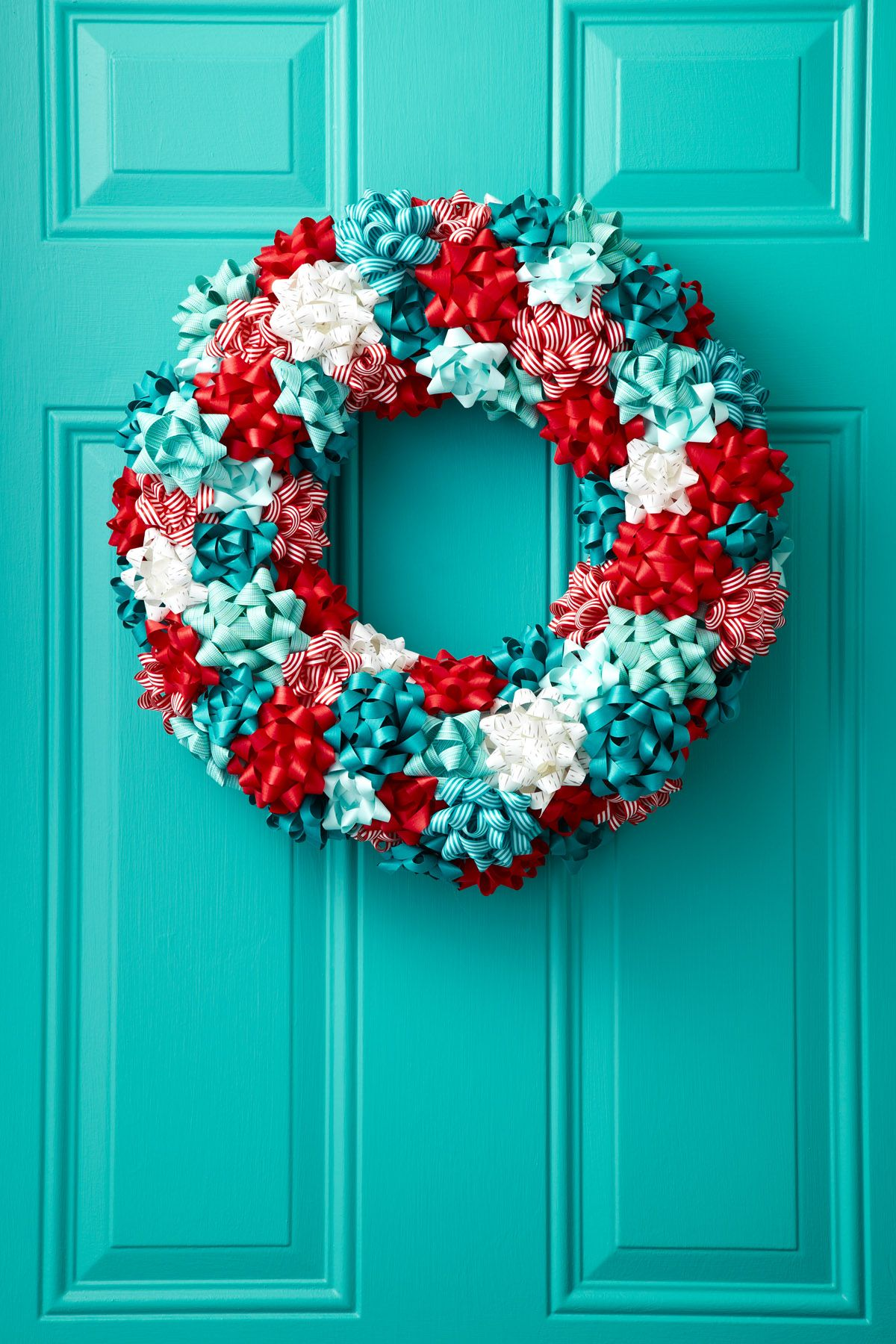45 DIY Christmas Wreath Ideas - How To Make a Homemade Holiday ...