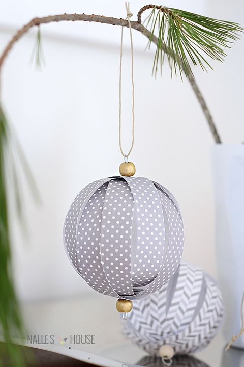 diy christmas ornaments homemade paper ball ornaments - Paper Christmas Decorations To Make At Home