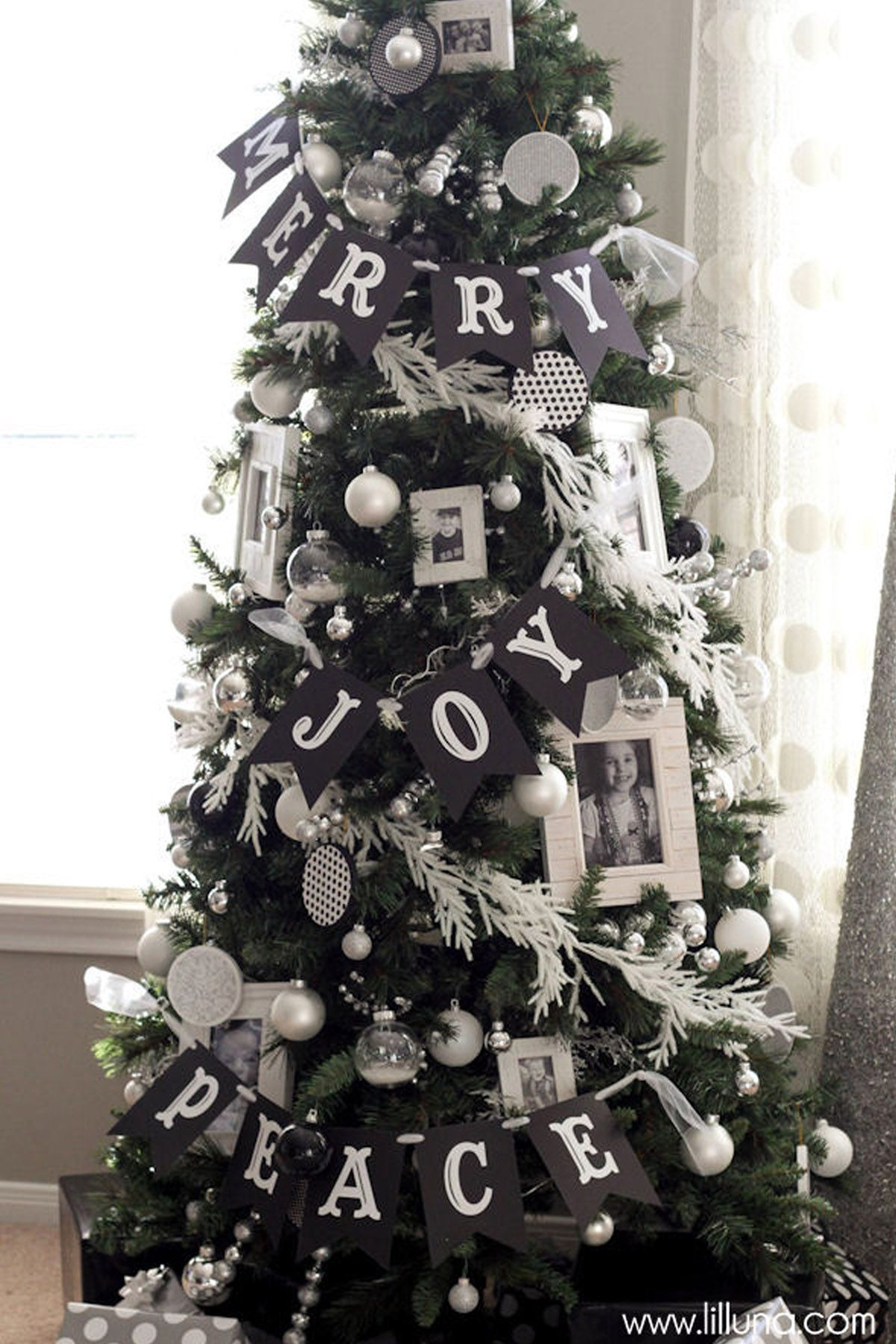 33 Unique Christmas Tree Decoration Ideas - Pictures of Decorated ...