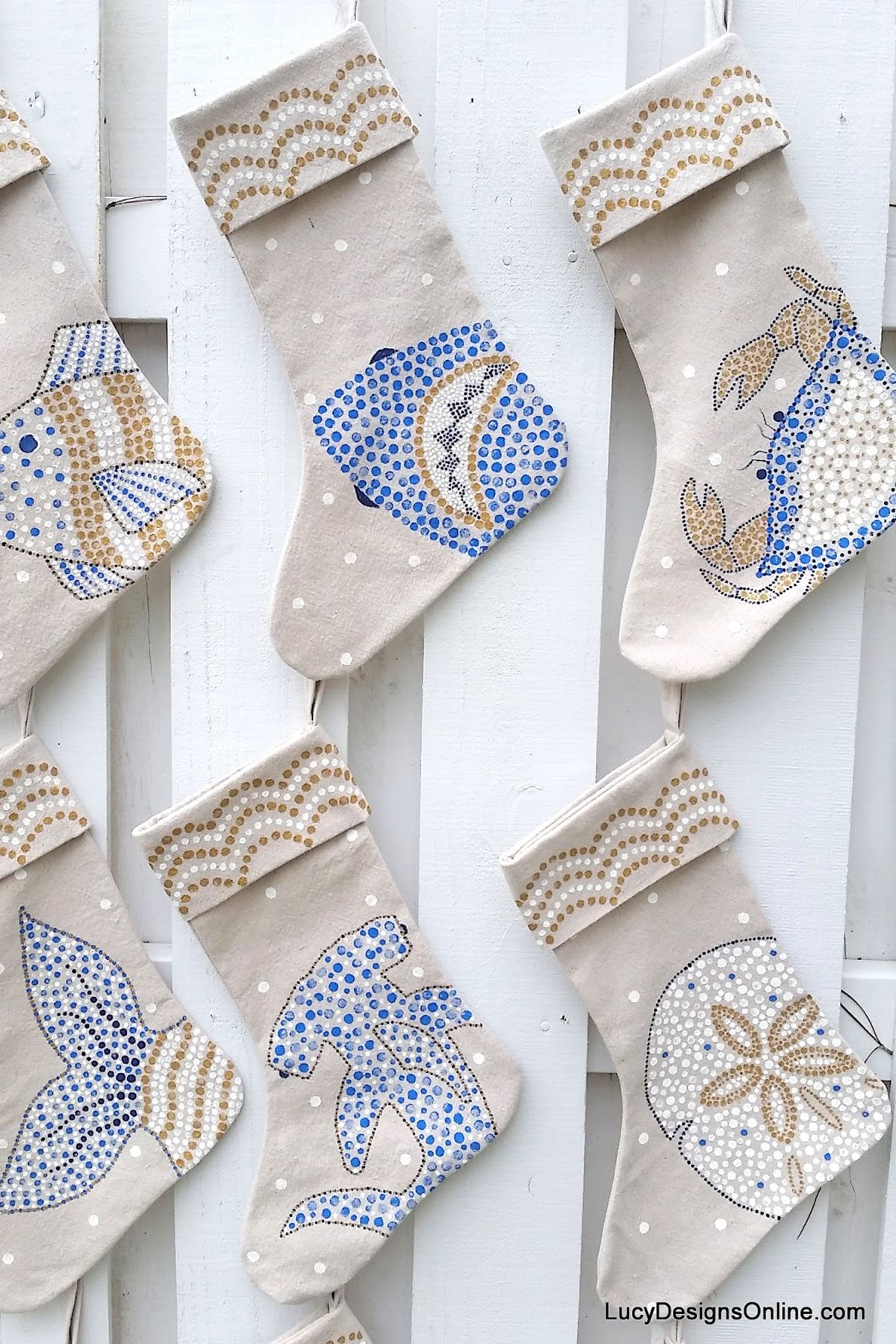 23 DIY Christmas Stockings - How to Make Christmas Stockings Craft ...