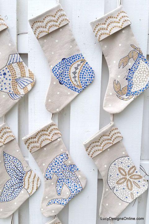 23 Diy Christmas Stockings How To Make Christmas Stockings Craft
