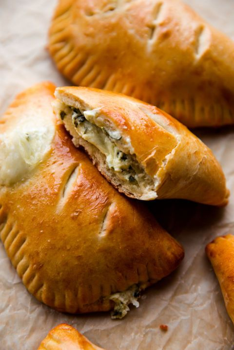 Dish, Food, Cuisine, Empanada, Ingredient, Baked goods, Pasty, Spanakopita, Curry puff, Jamaican patty,