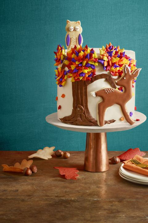 Sweetness, Icing, Buttercream, Orange, Food, Dessert, Cake, Table, Baked goods, Cuisine,