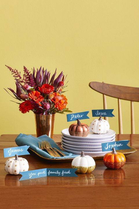 24 Easy Thanksgiving Decorations — Home Decor Ideas for Thanksgiving