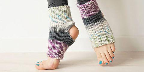 Leg, Human leg, Ankle, Joint, Wool, Arm, Foot, Toe, Knitting, Fashion accessory,