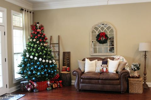 Christmas tree, Living room, Christmas decoration, Room, Home, Tree, Property, Christmas, Interior design, Christmas ornament,