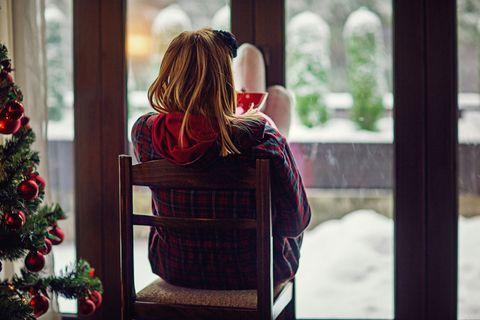 Hair, Red, Winter, Tree, Window, Christmas, Snow, Plant, Christmas eve, Brown hair,