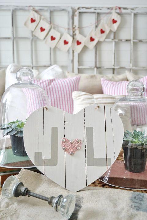 Valentine's Day Decoration Ideas -wooden heart decor