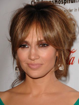 9 Jennifer Lopez Hairstyles, Cuts and Colors