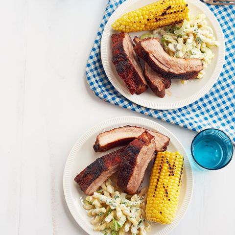 dry rubbed ribs with macaroni salad