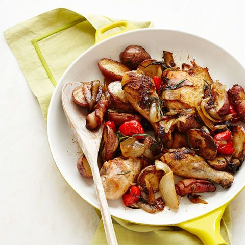 skillet chicken potatoes and peppers