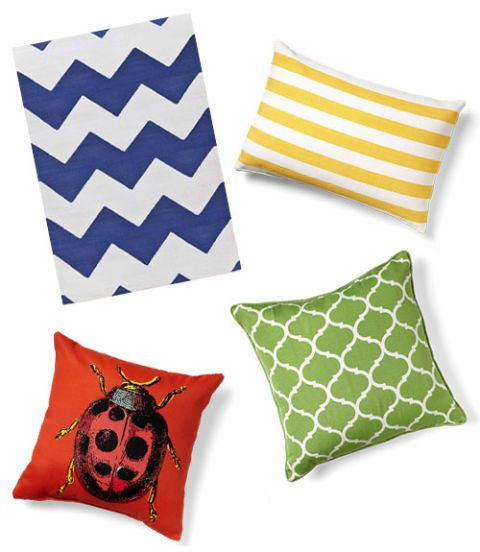 patio pillows and rugs