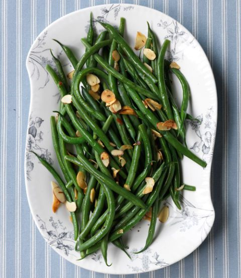 Green-Beans-with-Toasted-Garlic-and-Almonds-Recipe