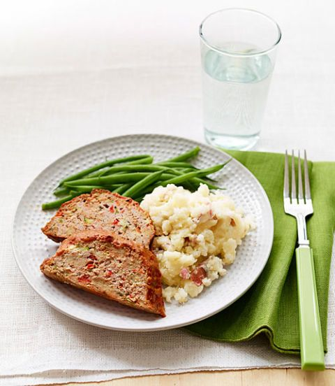 creamy mashed potatoes and cauliflower with turkey meatloaf