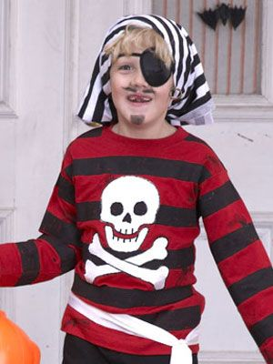 holiday crafts & DIY Pirate Costume