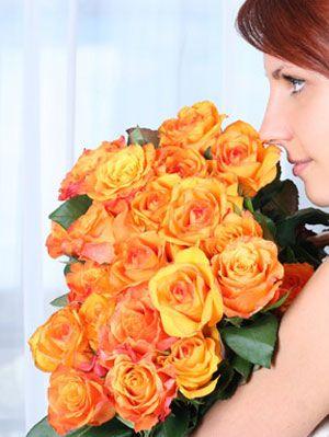 keeping cut flowers fresh at make flower last longer. Black Bedroom Furniture Sets. Home Design Ideas