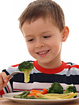 How To Help Kids Eat Healthy Parenting Tips At Womansday Com