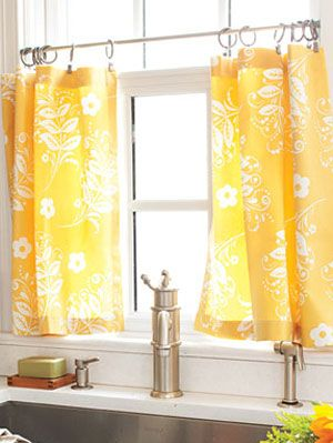 How to Make Kitchen Curtains - DIY Cafe Curtains