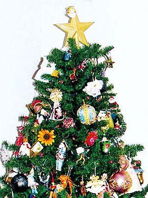 christmas tree descriptive paragraph