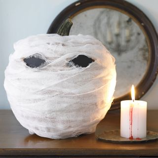 halloween crafts - Menacing Mummy
