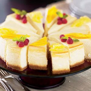 Almond-Cheesecake-with-Three-Sauces