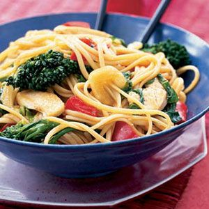 Asian-Linguine-with-Chicken