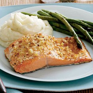 Salmon-with-Asparagus-and-Potatoes