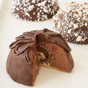 Individual-Chocolate-Mousse-Bombes