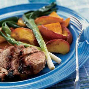 Barbecued-Pork-with-Sweet-Potatoes-Apples