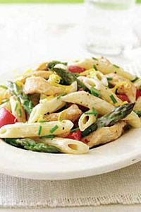 Penne-with-Chicken-Asparagus-and-Lemon-Alfredo-Sauce