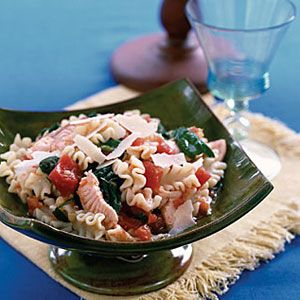 Pasta-with-Salmon-and-Spinach