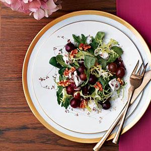 Autumn-Salad-with-Grapes-Cheese-Recipe