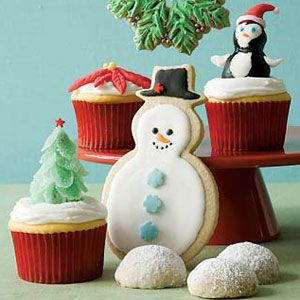 Swedish-Sugar-Cookie-Snowmen-Doves-and-Wreaths