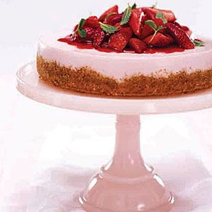 strawberry desserts - no bake strawberry cheesecake