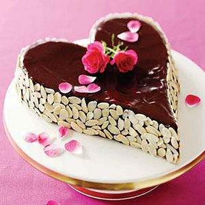 Chocolate-Almond-Brownie-Heart