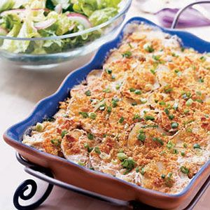Scalloped-Potatoes-with-Crumb-Topping-Recipe