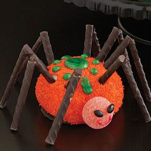 halloween cupcakes   large sno ball spiders