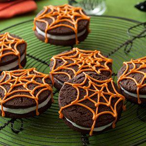 Spider-Cookie-Sandwiches-Recipe