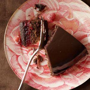 Dark-Rich-Chocolate-Cranberry-Cake-Recipe