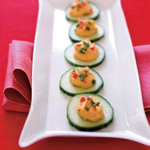 Ho-Ho-Ho-Hummus-Topped-Cucumbers-Recipe