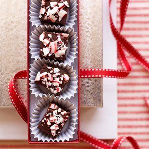Candy-Cane-Chocolate-Fudge-Recipe