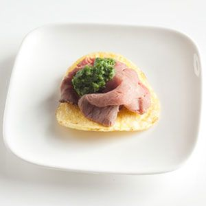 Roast-Beef-Potato-Chip-Bites-Recipe