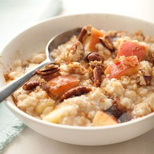 Oatmeal-with-Apples-Pecans-Cinnamon-Recipe