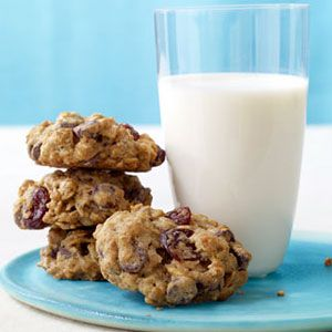 Chewy-Chocolate-Cherry-Oatmeal-Cookies-Recipe